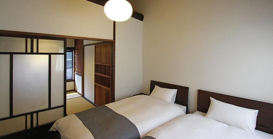 Konrui Bedroom