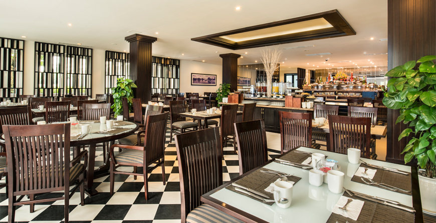 Le Cafe Restaurant
