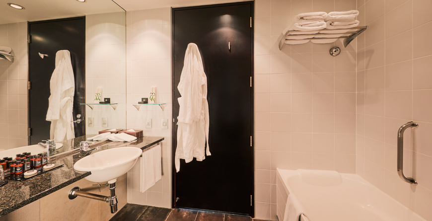 Sky City Hotel Premium King/Twin En-suite Bathroom