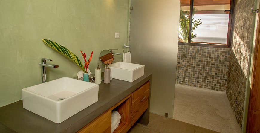 Jungle Suite Bathroom