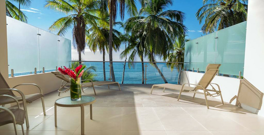 Duluxe Beachfront Terrace