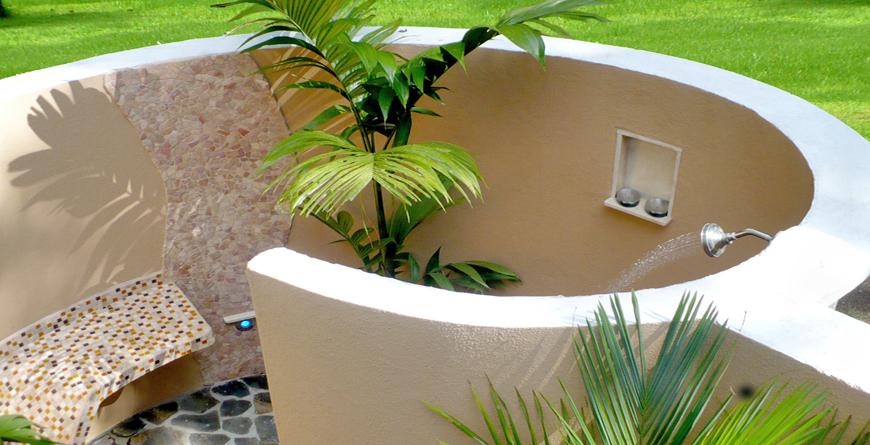 Honeymoon Suite Outdoor Shower