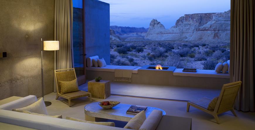 Suit Desert Lounge
