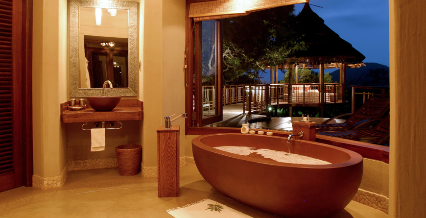 Thanda Safari Lodge Bathroom