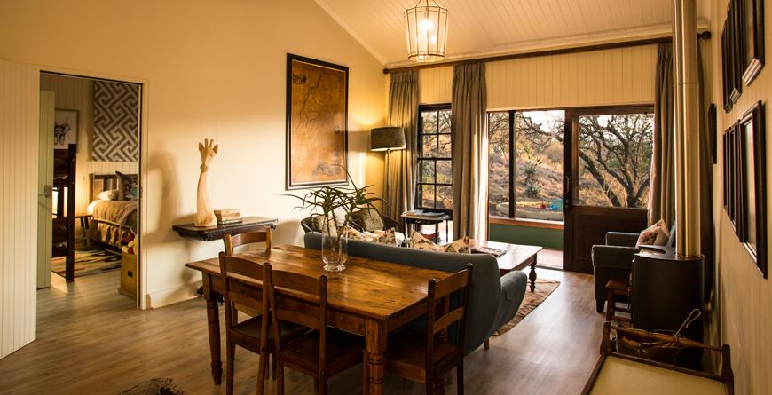 Kiplings Family Cottage Lounge