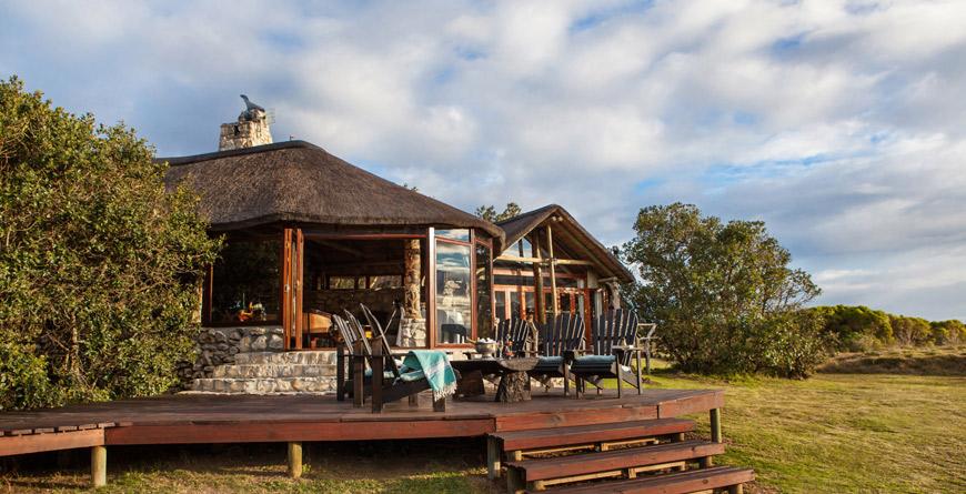 Lagoon Lodge Exterior