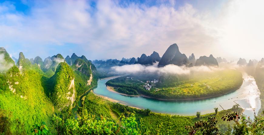 Guilin Li River, Karst Mountains, Yangshuo, Guilin, Guangxi, courtesy Shutterstock