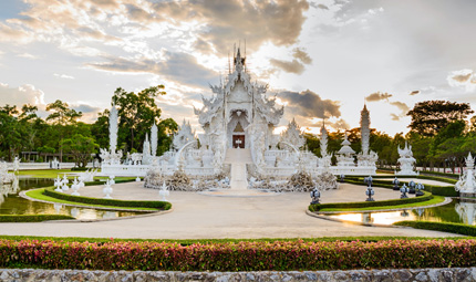 White Temple Wat Rong Khun, Credit Shutterstock