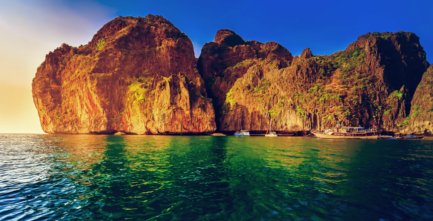 Cliffs Phi Phi Island, Credit Volodymyr Goinyk Shutterstock