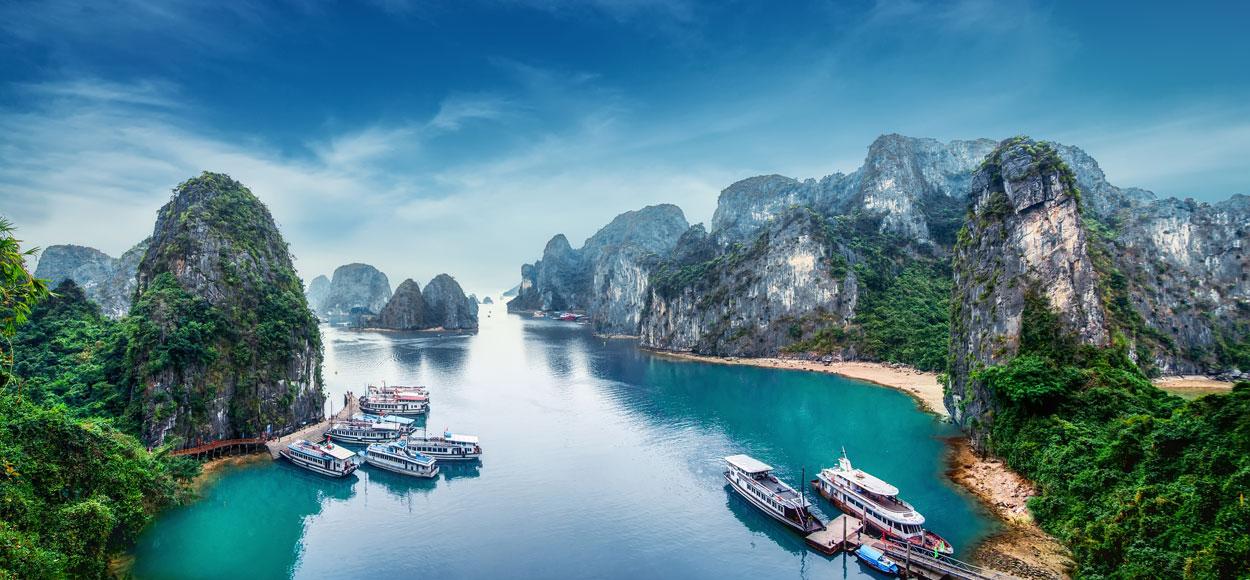 Brodovi i čamci - Page 31 N-Vietnam-Lead-HalongBay-South-China-Sea-Perfect-Lazybones