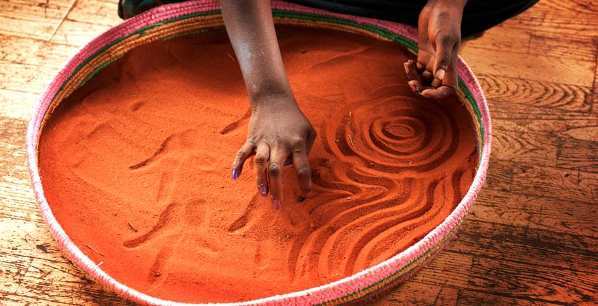Australia's Red Centre, Aboriginal Artwork, Credit Tourism Australia, Masaru Kitano snaK Productions