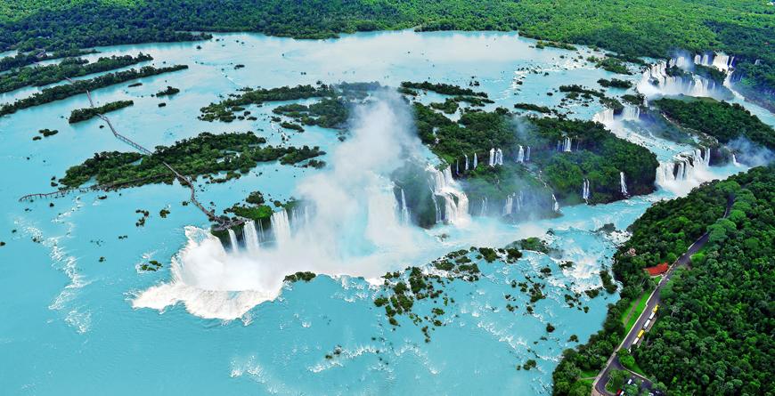 Iguacu, Credit Elena Mirage, Shutterstock.com