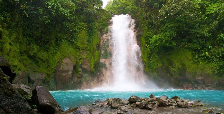 Celestial Waterfall La Fortuna, Credit colacat, Shutterstock.com