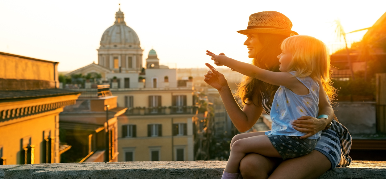 Mum and Daughter Rome, Credit Alliance Shutterstock
