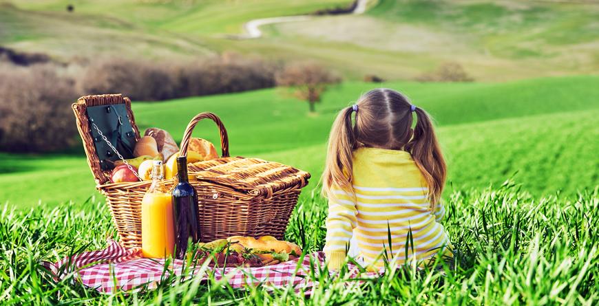 Tuscan picnic, courtesy J Pienza, Shutterstock