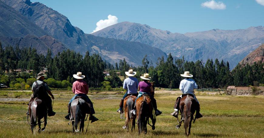 Sol y Luna Horse-riding